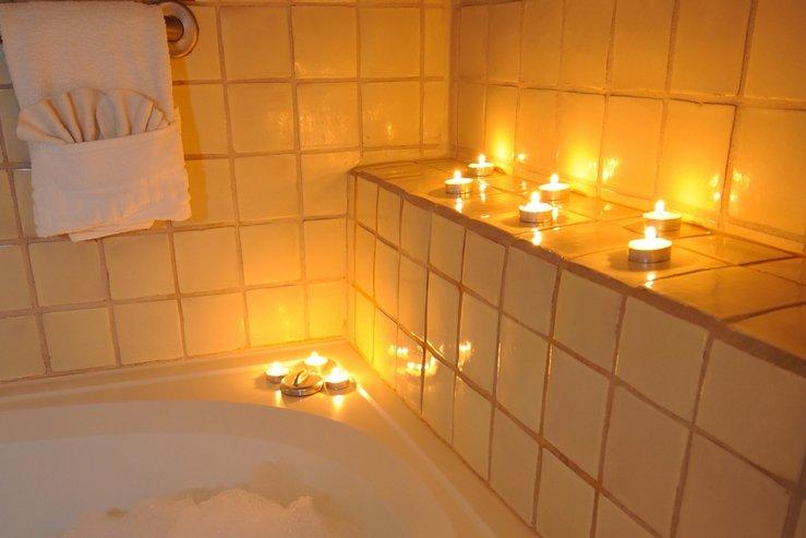 Table mountain inn candle lit tub hpg