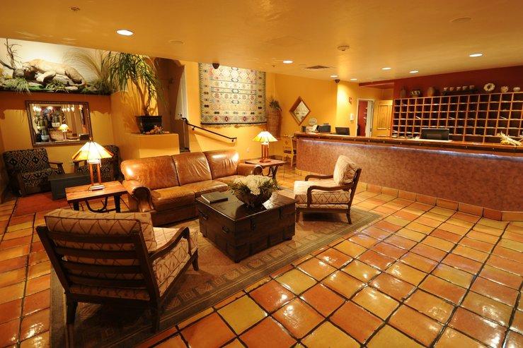 Table mountain inn lobby 1 hpg