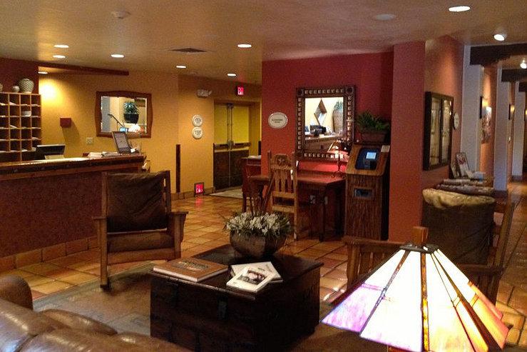 Table mountain inn lobby 4 hpg