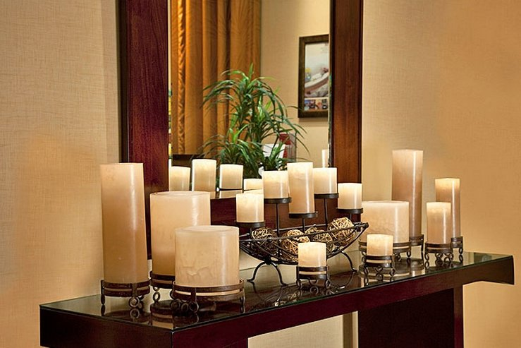 The elan hotel hallway table hpg