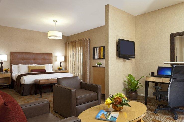The elan hotel junior king suite aa hpg