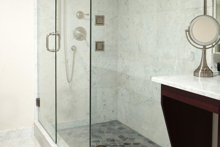 The portland regency hotel and spa govenor suite rain shower hpg