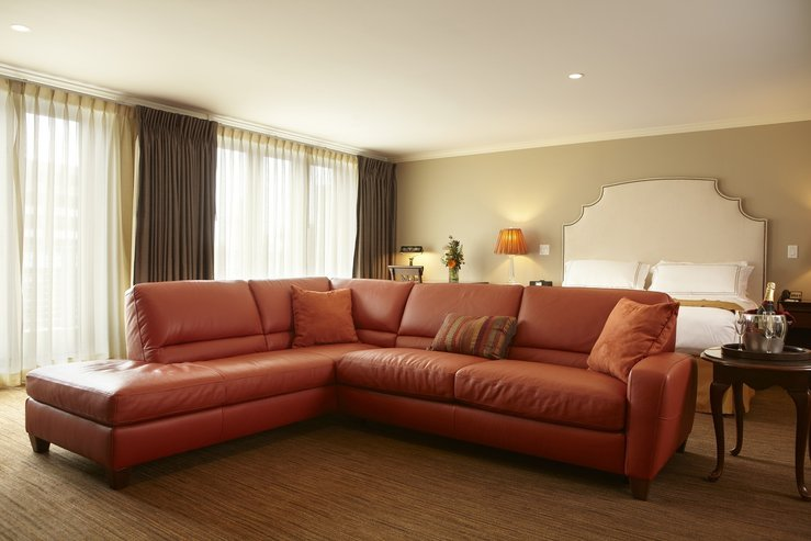 The portland regency hotel and spa studio suite couch hpg