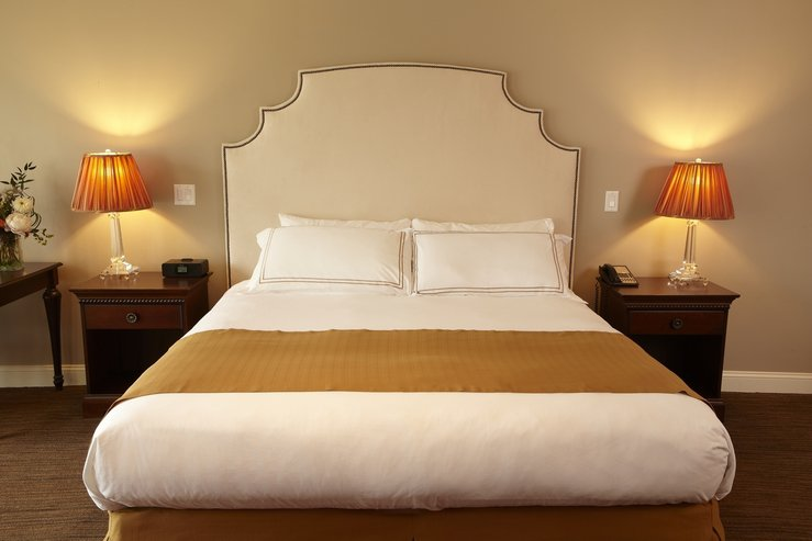 The portland regency hotel and spa stuido suite bed detail 2 hpg