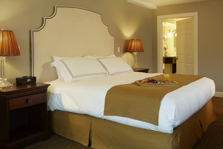 The portland regency hotel and spa stuido suite bed detail hpg