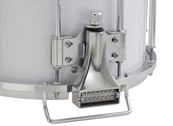 Snare strainer close-up.