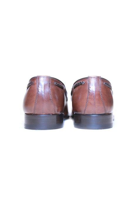 Scarpe mocassini con nappine GARBO NAPOLI | 921336138 | 102CUOIO
