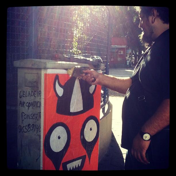 Rafo Castro ensinando... #senaimaracana #opa #oficinadeposterarte #streetartrio