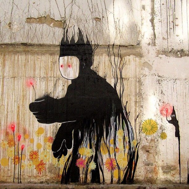 Alguma luz #fleshbeckcrew #graffiti #graffitiart #spray #instagraff #streetart #picofftheday #graffitiart #art #arte #collorfull #clubesocial #cores #instafuckinggood #instaphotos #instagreat #iphonesia #instagram #instagood #instaart #iphone #riodejaneiro #day Enviado via iPhone. #Brisky
