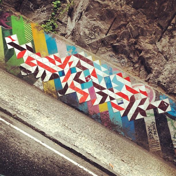 Hoje tem!!! #MUDA #azulejo #tile #intervencao #ColetivoMUDA @coletivomuda