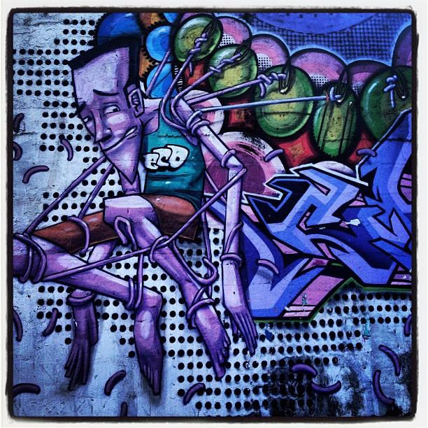 Rua Heitor Beltrão. #grafite #marceloeco #murosdacidade