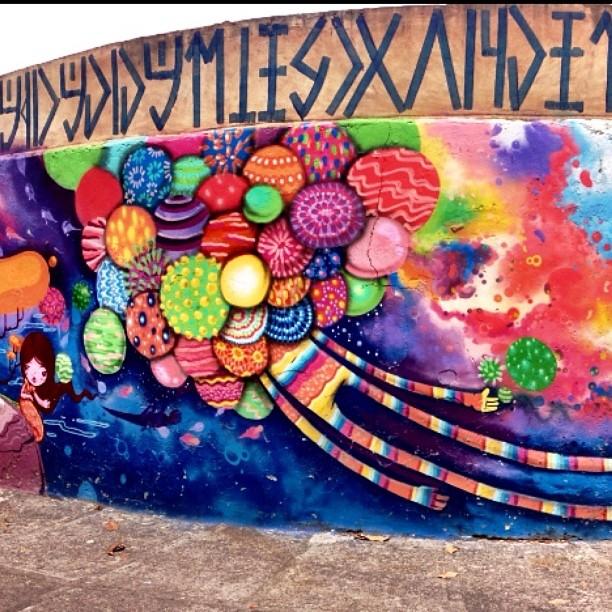 Jardim Botanico (RJ) has great works by great Graffiti artists, This one by @tozfbc
