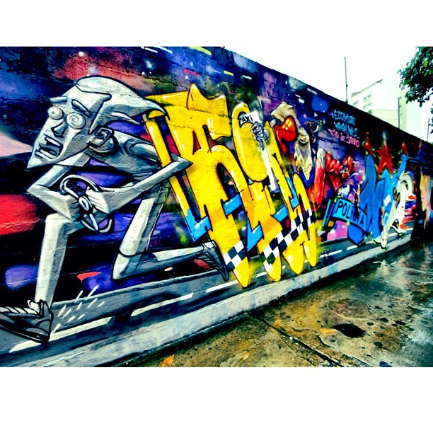 Wall by the Artists @marceloeco #kj263 @karskione @noetwo - Tijuca, RJ