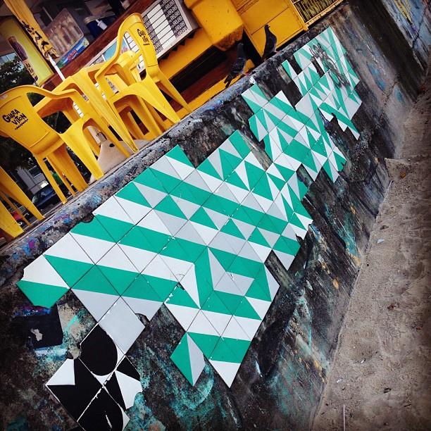 Ainda #MUDA #azulejo #tile #artederua #streetart #rio #rua #ColetivoMUDA