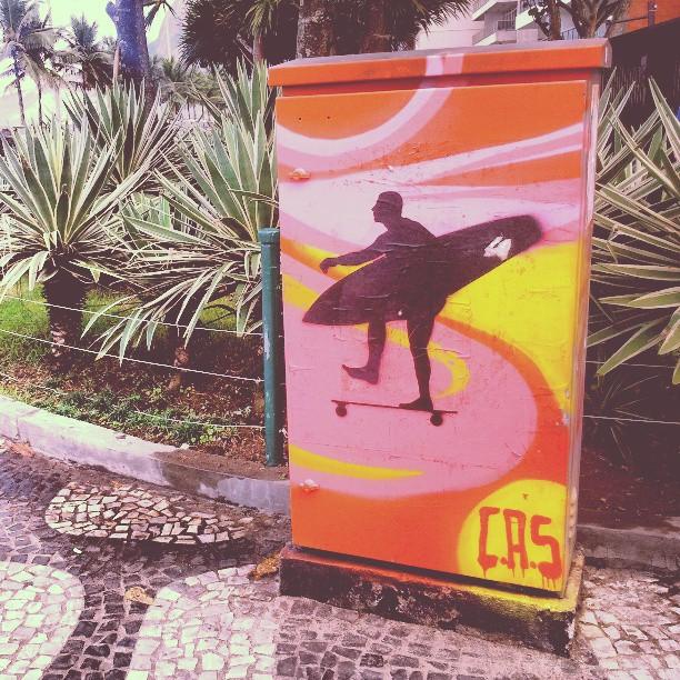 #surf #grafite #graffiti #graffrio #ipanema #Rio #riodejaneiro #rioeuteamo #urbanart #streetart #StreetArtRio #sk8