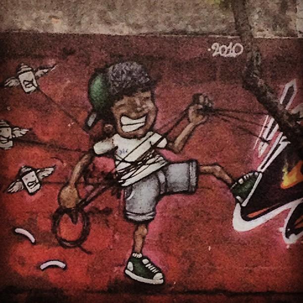 Todo enrolado... #grafite #graffrio #murosdorio