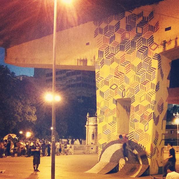 Coisas da Praça XV #Sk8 #graffiti