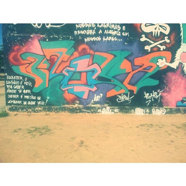 Foda-se seu blog, meu nome tá na cidade ! #Graffiti #street #StreetArt #freestyle #freehand #hiphop #rap #rua #Art #Humildade #RioDeJaneiro #InstaGraffiti #GraffitiBrasil #GraffitiRJ #Mtn #Blopa #Reggae #Roots #LoveLetters #Freedom