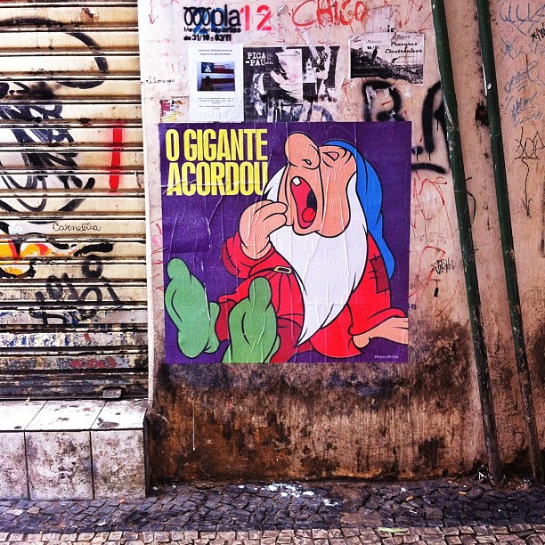 #ogiganteacordou #vemprarua #rio #lapa #posterart #artrio
