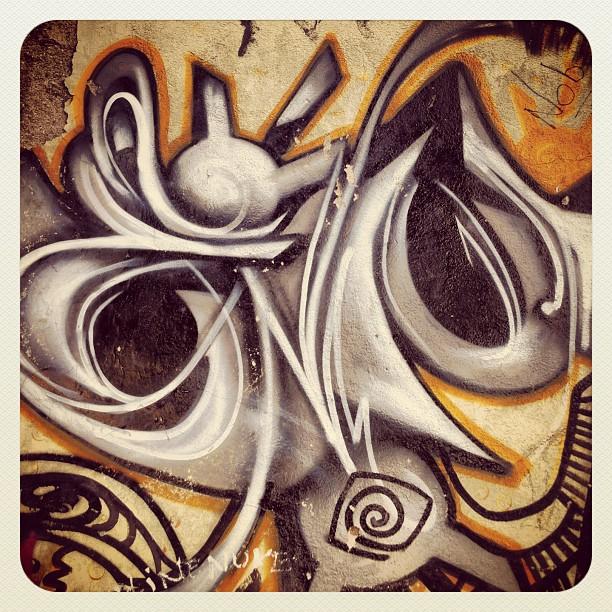 Detalhes da Série Arte de Rua no Largo Maria Portugal em Laranjeiras. O largo fica entre a rua Sebastião de Lacerda e a Rua das Laranjeiras. | #RuaDasLaranjeiras #Laranjeiras #RioDeJaneiro #IgersArteDeRua #StreetArt #Graffiti #Arte #Art