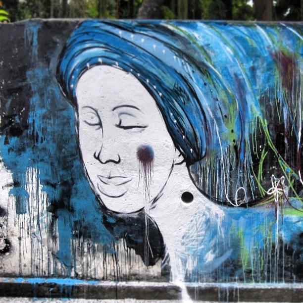 FlorNega #blackwoman #streetartrio #ilpe77 #flor