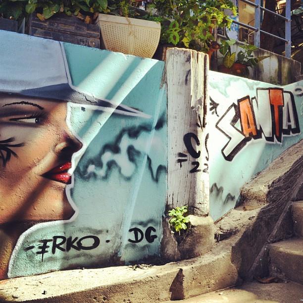 Grafite by Erko no Santa Marta. #StreetArtRio #erko #boomproarte #boomprografite