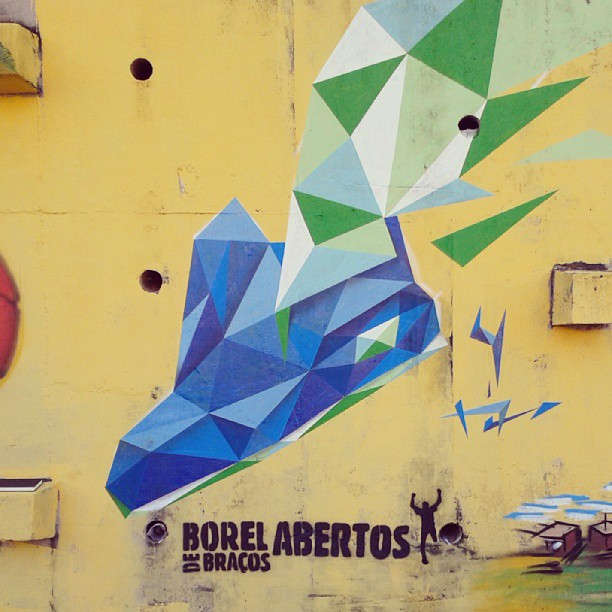 Morro do Borel #streetartrio #running #graffiti