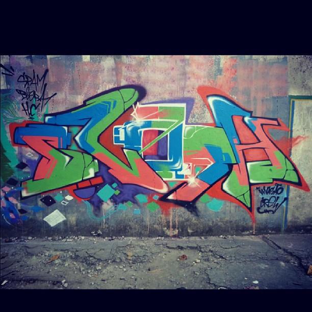 Viajo no espaço e o que eu vejo eu deixo escrito... #Graffiti #StreetArt #Rap #GraffitiBrasil #Instagraffiti #HipHop #freestyle #freehand #street #rua #humildade #art #GraffitiRJ #Blopa #SprayArt #mtn #RioDeJaneiro #Favela #RJ #Méier #Subúrbio #Carioca #CidadeMaravilhosa #detail #Letters #LoveLetters
