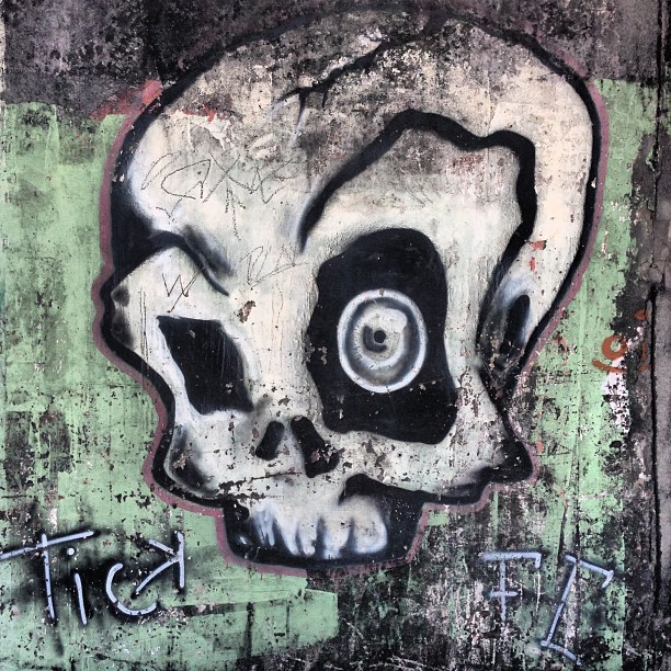 #streetartrio #tick
