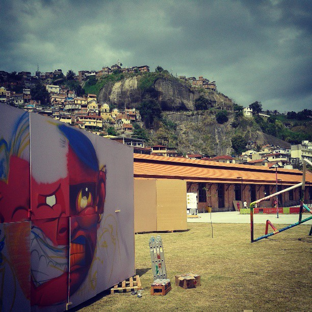 Art rua 2013. @rena_machado @festivalartrua #vistafunky #streetartrio #kovokcrew