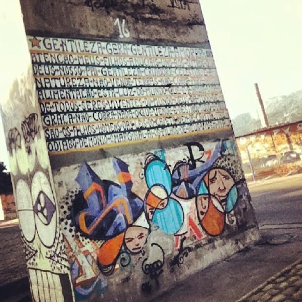 Gentileza gera gentileza Amorrr #bomdia #gentileza #profeta #rio #riodejaneiro #rj #centro #tonoadorofarm #intervencaourbana #arte #art #urbana #streetart #grafitti #rioetc #cor #streetartrio #cidade #codigo