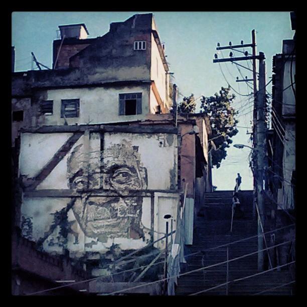 #bomdia #riodejaneiro! Fico bobo com essa intervenção! #art #streetart #streetartrio