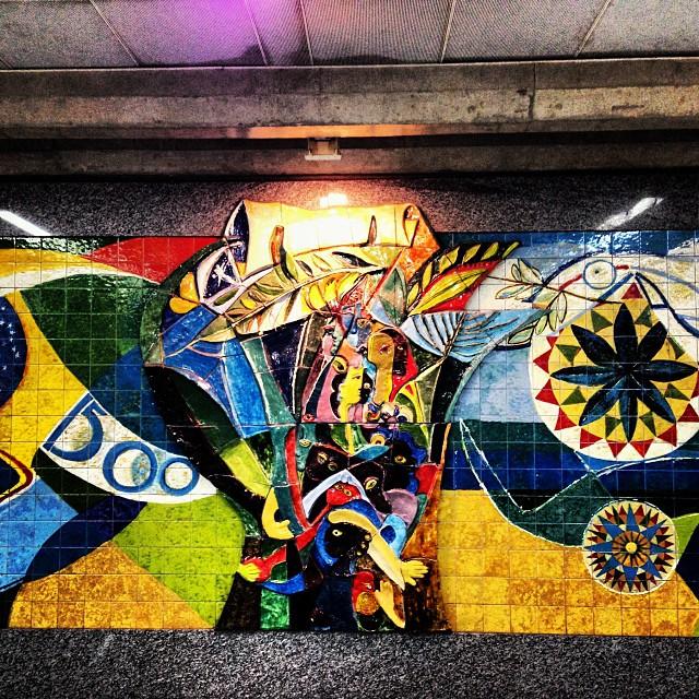 Mural Aeropuerto Río de Janeiro, Brasil #Graffiti #GraffitiArt #Brasilart #Brasilarte #StreetArt #StreetArtEverywhere #StreetPhotography #UrbanArt #Urbanoteca #ArteUrbano #WallArt #ArteCallejero #RuaArt #CityArt #SprayPaint #UrbanStreetArt #MuralsArt #MuralsDaily #MyGraffitiDiary #LivingWalls #BrasilWalls #StreetArtRio #StreetArtRJ #RioArt #RJArt #ArteNaRua #ArteNaRuaRio