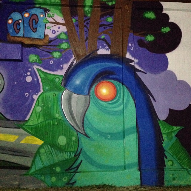 Almost done... A foto ta escura mais depois eu coloco uma melhor.  #paint #painting #art #arteurbana #spraypaint #spray #can #streetart #streetartrio #urbanart #urban #zombie #macaw #crazy #world #florest #wall #src #searc #rj