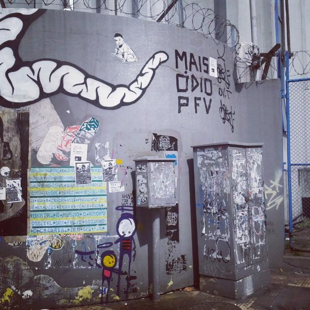 Em Botafogo. #stencilart #streetartrio #colagem #lambelambe