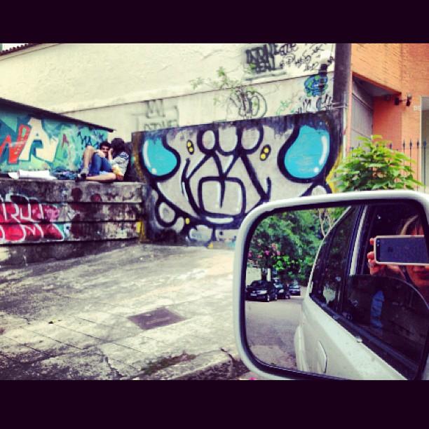 Enquanto isso...em algum #graffiti da @idolnoproject.... #djonereal #marygirl #streetstyle #idolnostyle #streetartrio #artederua #artcolective #idolno