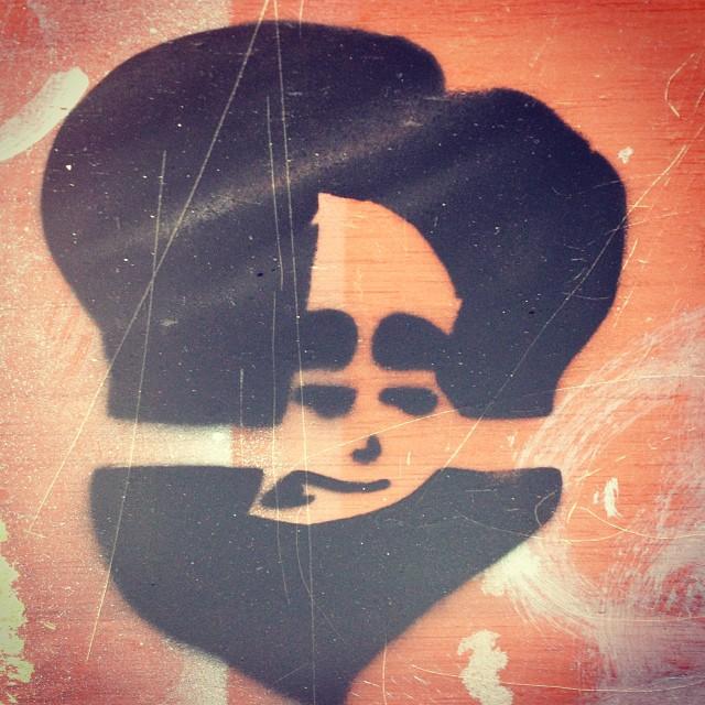 Já cedo!? #doug #streetartrio #stencil