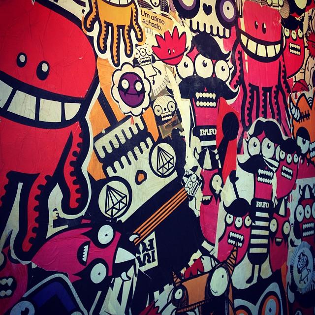 Rafo Castro no Arte Core #rafocastro #streetart #streetartrio #graffiti #graffitiart #riodejaneiro #rj #brasil #mam #mamrj #color #art #arte #artecore