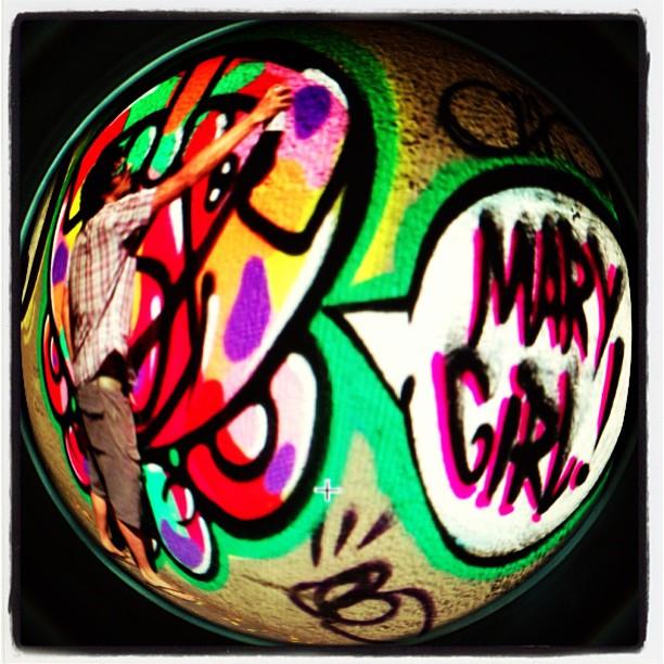 Rolezin de ontem da crew @idolnoproject #djonereal #marygirl #sockppxi #graffiti #humaita #idolnostyle #streetstyle #streetartrio #artederua #artcolective #idolno