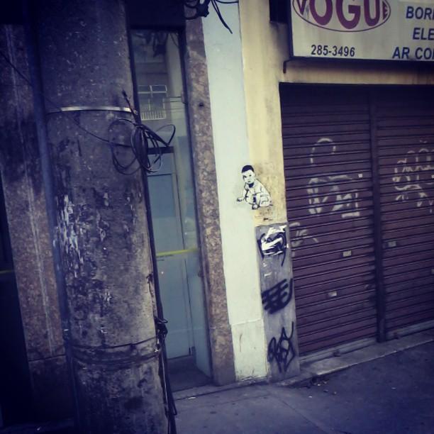 Rua das Laranjeiras. #streetartrio #stencilart #colagem #lambelambe