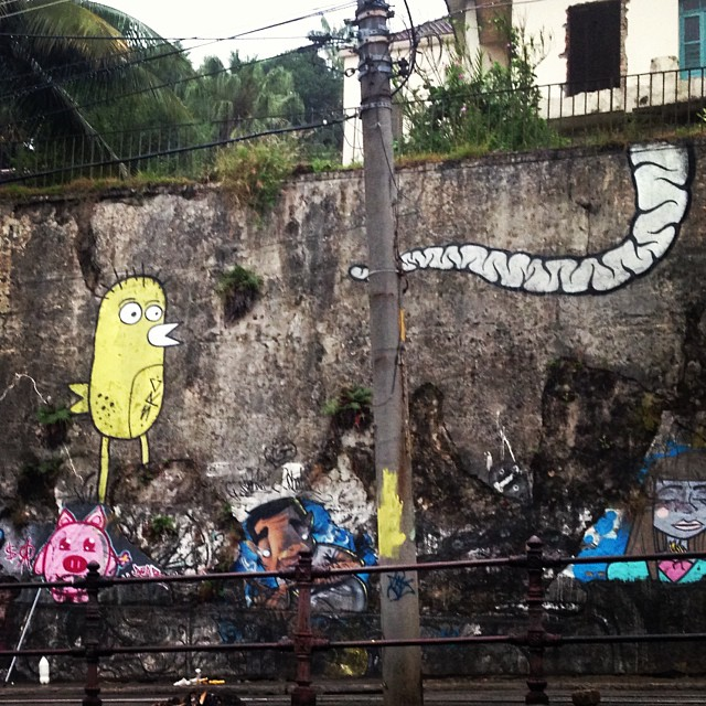 Second turn !!! Rocking at Santa Tereza  #art #streetart #streetartrio #arteurbana #arte #graffiti #bomb #bombing #throwup #throwing #santatereza #riodejaneiro #rj #src #searc #mz #021