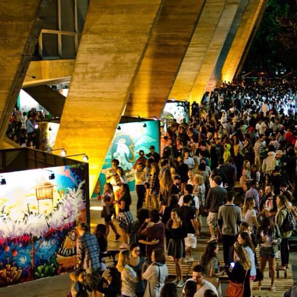 #artecore pelas lentes de #renejr wowww #streetart #streetartrio #art #mam #homegrown68 #riorampdesign #sneakersbr #agenciamacro #ilovexv #sopedradamusical #paratodos