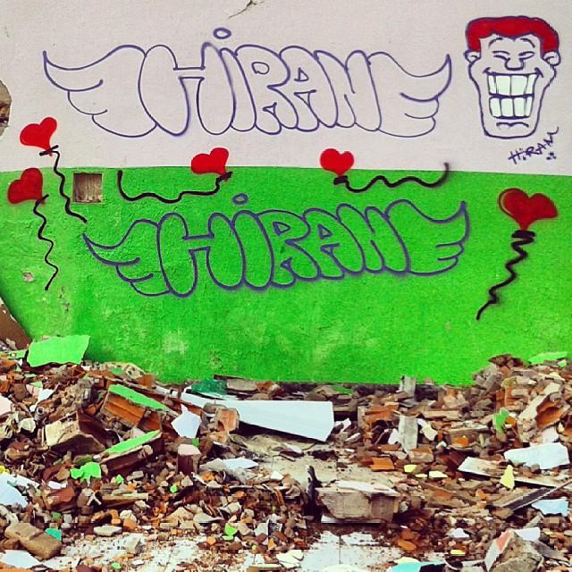 #bomb #angatu #rafaelhiran #hiran #igersbrasilia #braziliangram #artederuadf #streetartbsb #artruaeuapoio #streetartrio #lovesintheair #harts #artbrasília #balonhart #colors #grafittidf #redhair #colors #instagrafite