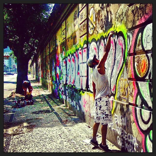 #idolnobomb #sockppxi #djonereal @marygirlstyle #brunaa #action #streetartrio