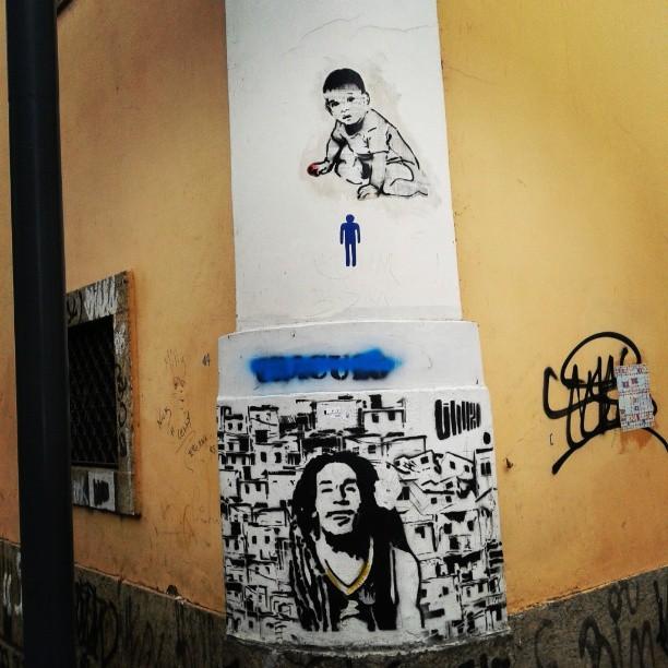 phellipecd Largo do Boticário. Bob que mandou!!!! #streetartrio #colagem #lambelambe
