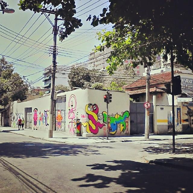 Agora está completo #StreetArtRio #instagrafite #graffitisession #good #instagood #instahappy #friends #nice #paredao #visao #grafiteart #art #colors #montanacolors #mtn94 #colorginarteurna #urbanart