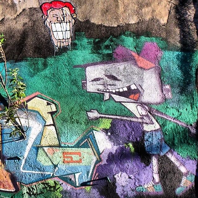 Angatu colado em Santa Teresa, especialmente no dia do aniversário do meu amigo @marcioswk :) #streetart #streetartrio #santateresaapé #santateresadechinelo #santacrew #angatu #hiran #rafaelhiran #instagrafite #arteruario #bigboy #entreamigosbrasil #amigersbr