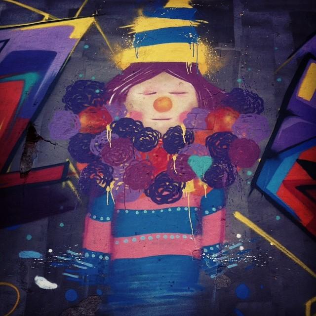 Close. Esse esta na Marechal Rodon  Era CircuS  2013 - 57AM #spam #graff #graffiti #streetart #StreetArtRio #persona #circo #circus #letters #freestile #style #collors #magic #palhaço #painting #rua #2013