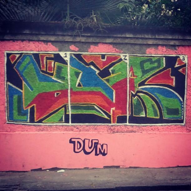 Completando o album de figurinha #grajau #dum #instagrafite #graffiti #montana94 #artederua #arteurbana #graffiticarioca #streetart #streetartrio