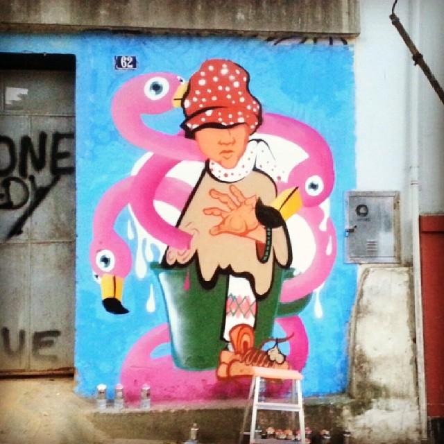 Convite inesperado e um resultado viajante. Com Rodrigo de Deus. #graffiti #graffrio #rafa #flamingo #sonhe #gloria #streetartrio #grafite